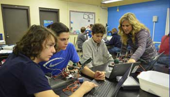 Hands-On Learning with Middle School Robotics